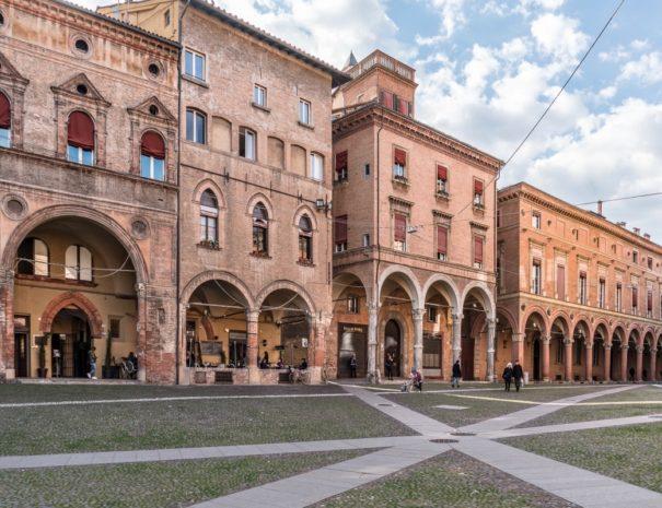 p,bo,2017,bologna,piazza_santo_stefano,w,20454,vanni_lazzari